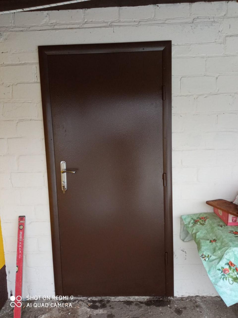 Встановлено 3 вхідних двері на хозприміщення в Манжелії