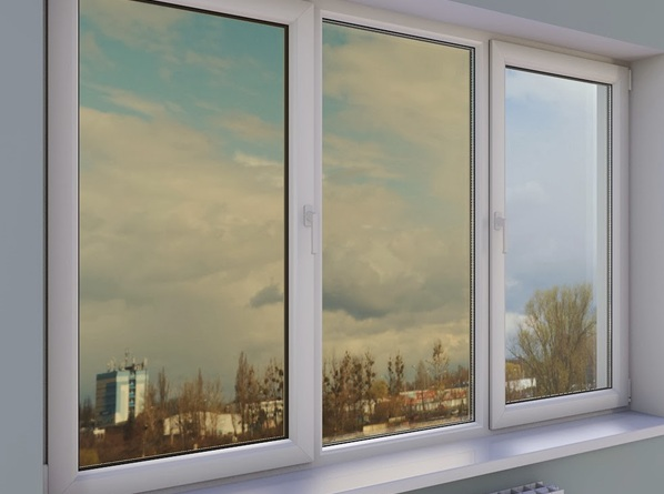 Вікно з сонцезахистом